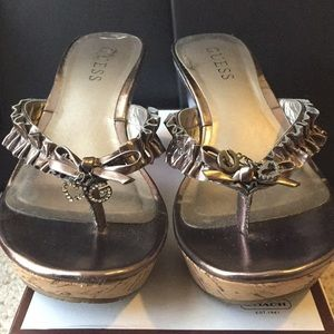 Guess metallic wedges